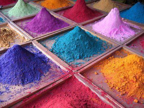 Pigments for sale in Goa, India (photo by Dan Brady)